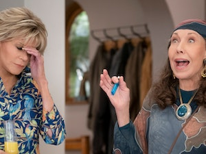Netflix Shares First Look at 'Grace and Frankie' Season 6