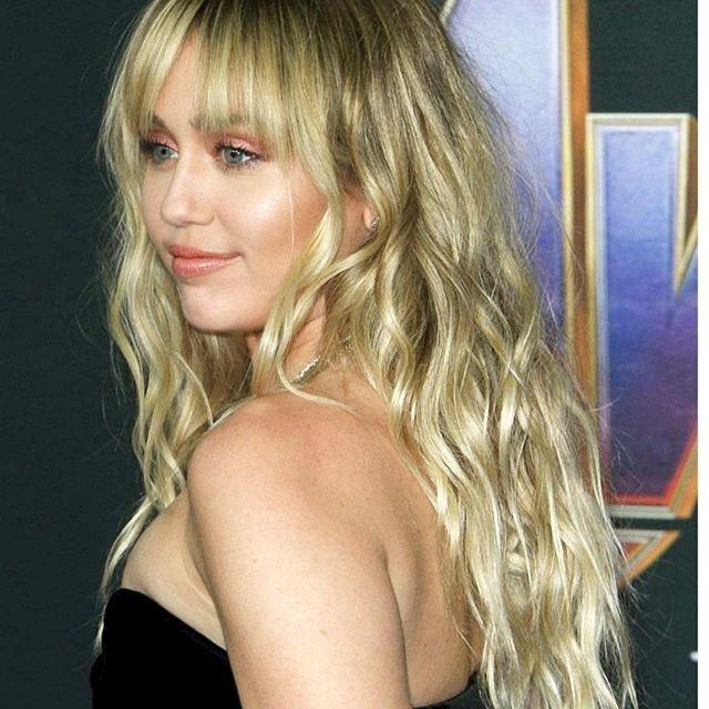 Best Celebrity Instagram Photos Today: Miley Cyrus and Vanessa Hudgens