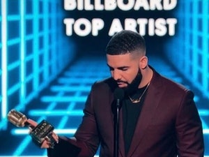 Best Celebrity Instagram Photos Today: Drake and Cardi B