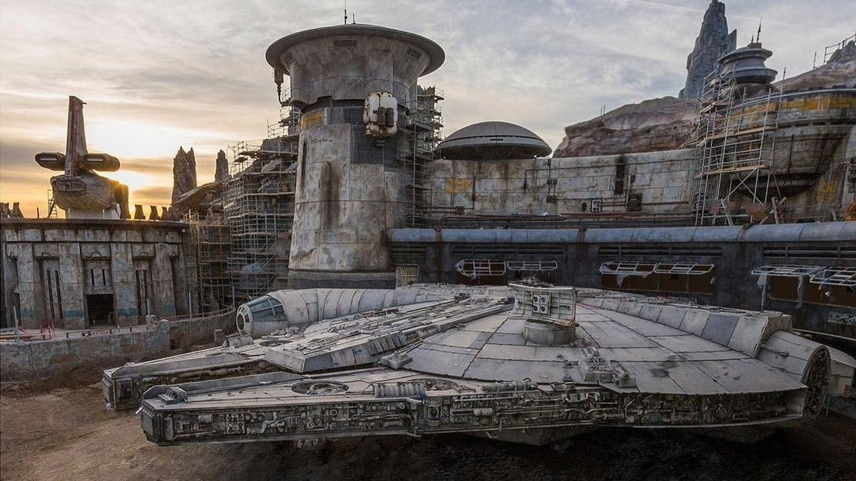 Disneyland's New Star Wars Land Is Opening Early, But You're Gonna Need Reservations